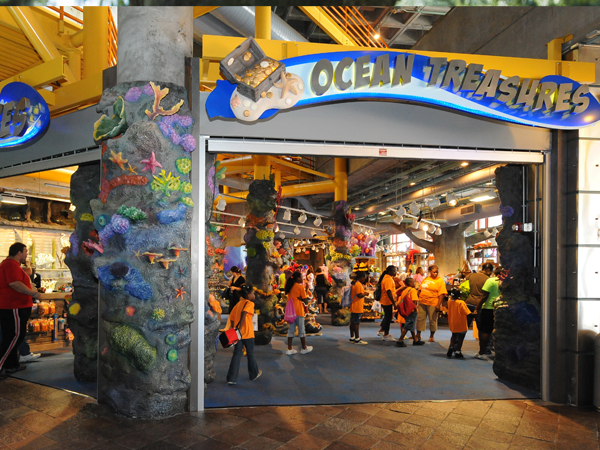 Outside view of the Ocean Treasures Gift Shop in the Aquarium of the Americas.